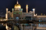 Brunei-Sultan-Omar-Ali-Saifuddin-Mosque-by-night-2.jpg