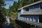 Ketchikan-Alaska-USA-cruise-ship-city-river-trees-restaurant.jpg